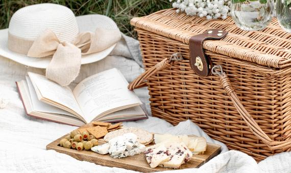 Five Ways To Put Together A Perfect Spring Picnic