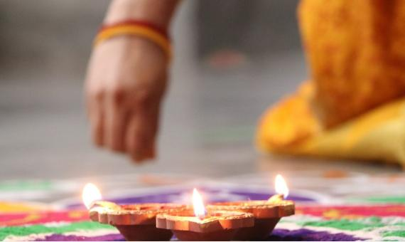 Make a Grand Entrance this Diwali