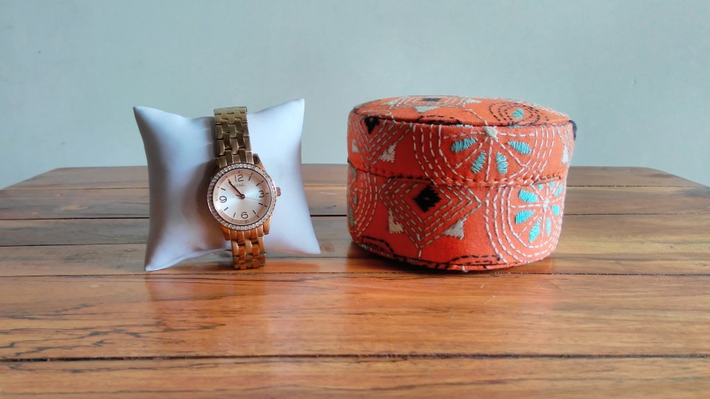 Decorative Boxes And Trays : Kantha embroidered handmade round watch storage trinket
